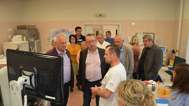 Zdravotní výbor Moravskoslezského kraje navštívil krnovskou nemocnici.