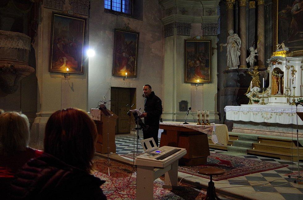 Farář Jan Randa působí v římskokatolické farnosti Město Albrechtice.