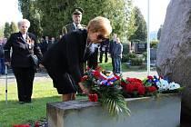 Konec války a osvobození od nacismu si každoročně připomínají také města a obce v našem regionu. (Krnov)