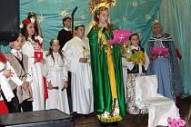 Potomci Volyňských Čechů a Poláků vyhnaných z Ukrajiny společně vzpomínali na tradice svvých rodičů v původní vlasti.