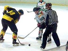 Hornobenešovský hokejový tým deklasoval v sobotu na svém ledě celek Orlové a v tabulce krajské ligy stoupá vzhůru.