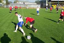 Fotbalisté Jiskry Rýmařov se v nedělním domácím utkání s Porubou rozloučili nejen s letošní sezonou, ale i s divizní soutěží.