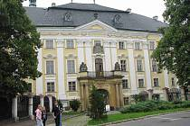 Častým cílem turistů je i bruntálský zámek.