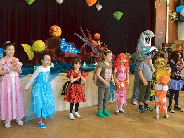 Bytosti z vodního světa i jiné se sešly na sobotním karnevalu.