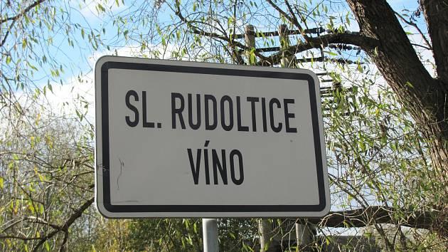 Okres Bruntál sice má Víno, ale vinohrady zde chybí.