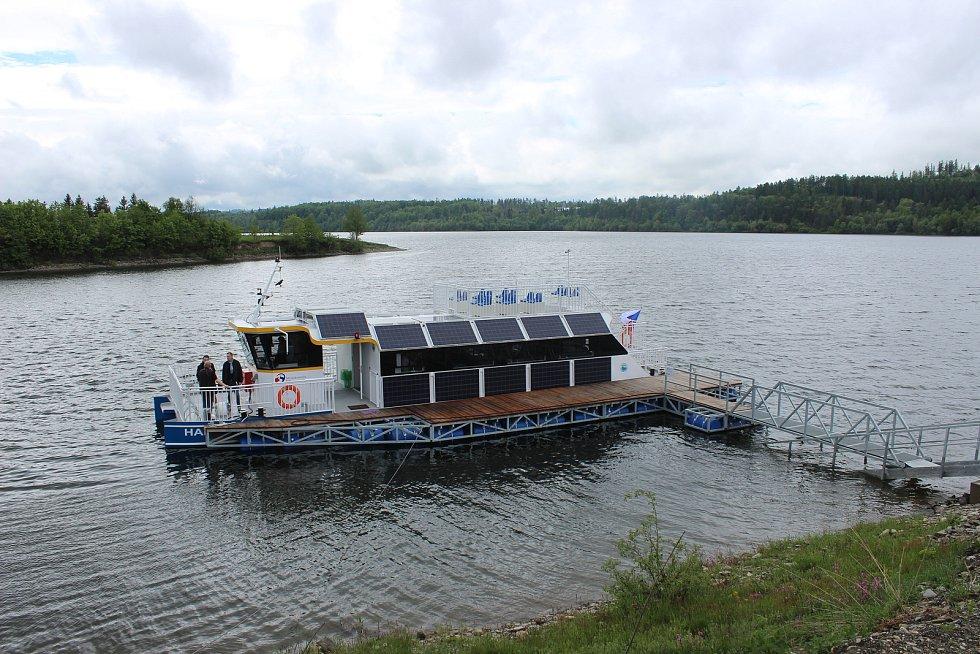 Představení výletní lodě Harta pro 45 pasažérů, 20. května 2019 v Leskovci nad Moravicí.
