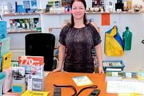 Turistické a informační centrum na Hlavním náměstí v Krnově každý den vyhledají desítky klientů. Odborný pracovník centra Veronika Fišerová si umí poradit s jakýmikoli dotazy.