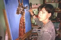 Jako živá vypadají zvířata, která maluje rodačka z bruntálského okresu a v současné době obyvatelka afrického kontinentu Zdeňka Miovská.