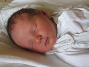 Jmenuji se DANIEL CHLEBIK, narodil jsem se 10. dubna 2017, při narození jsem vážil 3805 gramů a měřil 50 centimetrů. Moje maminka se jmenuje Alice Šplíchalová a můj tatínek se jmenuje Bohdan Chlebik. Bydlíme v Bruntále.
