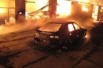 Požár stolárny ve Staré Rudné na Bruntálsku nahlásil náhodný kolemjdoucí po půlnoci ve středu 13. dubna. Škody přesáhly čtyřmilionovou hranici.