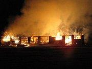 Požár stolárny ve Staré Rudné.