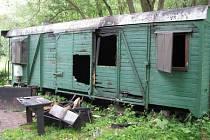 Dětskému oddílu Tulák z Bruntálu vyhořela v neděli 13. července klubovna, kterou měl oddíl ve starém vagonu.