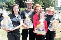 Nejlepší guláš uvařili na hřišti u obecního úřadu v Dívčím Hradě kuchaři z Krnova. Čtyřčlenné družstvo neskrývalo po soutěži obrovskou radost z vítězství.