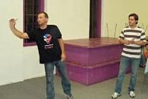 Miloš Tancík (vlevo) by měl pomoci Texasu Úblo proti Kamenci. Miroslav Stacho (DC Mirage) zase bude bojovat proti Tipsportu.