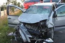 Nedělní vážná dopravní nehoda dvou automobilů v Rýmařově.