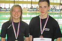 Dominika Geržová (vlevo) a Ondřej Švéda předvedli na mistrovství republiky dorostu v Ústí nad Labem skvělé výkony.