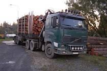 Řidič kamionu mohl hovořit a štěstí v neštěstí.