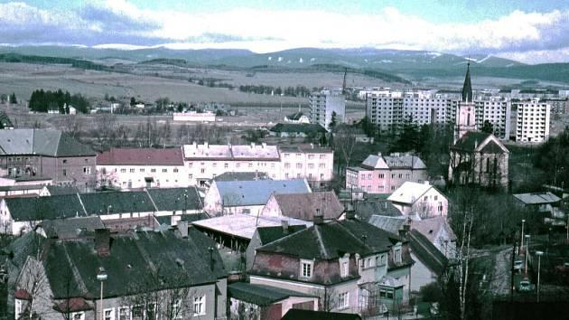 Motlochova ulice v Bruntále před rokem 1970, jak ji zachytil bruntálský fotograf Jaroslav Chylík.