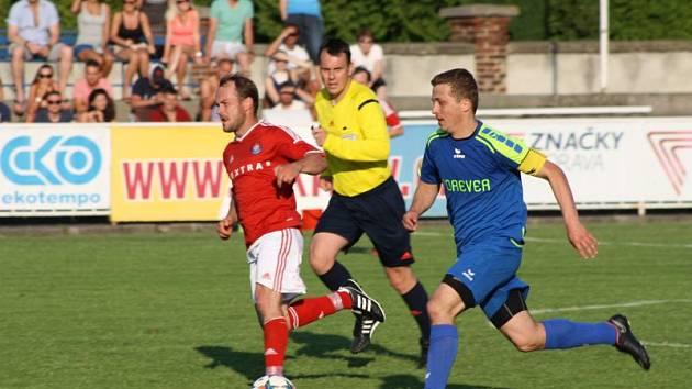 Adam Ondra (v modrém)