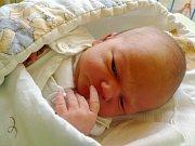 Jmenuji se PATRIK BUREŠ, narodil jsem se 11. prosince, při narození jsem vážil 3070 gramů a měřil 49 centimetrů. Moje maminka se jmenuje Vendula Burešová a můj tatínek se jmenuje Ondřej Bureš. Bydlíme v Krnově.