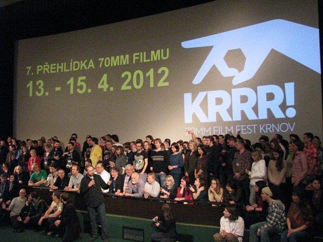Krnovský filmový festival KRRR! je v rámci střední Evropy ojedinělá událost, která vrací život největšímu používanému filmovému formátu v dějinách kinematografie.