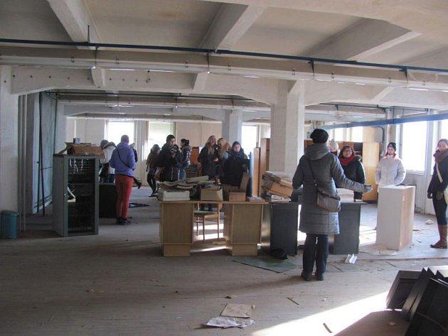 Účastníci semináře o technických památkách Slezska se vydali také na exkurzi do ředitelství Karnoly, kde město hodlá zřídit nadregionální muzeum.