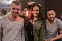 Zpěváci Czenda Urbánek, Ewa Farna a Petr Harazin.