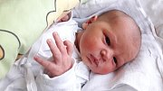 Jmenuji se MARTIN VONC, narodil jsem se 14. ledna, při narození jsem vážil 3450 gramů a měřil 50 centimetrů. Moje maminka se jmenuje Alexandra Voncová a můj tatínek se jmenuje Pavel Vonc, doma se na mě těší bráška Pavlík. Bydlíme v Krnově.