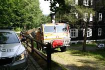 Ve čtvrtek odpoledne vyrazili do Karlovy Studánky hasiči, aby si ověřili, zda tam dokážou v naléhavých případech zasáhnout na všech místech. Kontrola průjezdnosti obcí proběhla v součinnosti s policisty.