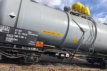 Únik kyseliny chlorovodíkové na bruntálském nádraží hasiči rychle zastavili.