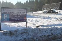 Parkoviště Hvězda pod jesenickým Pradědem.