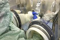 Specialisté v krnovské nemocniční lékárně začali připravovat léčiva také pro onkologické pacienty ze Šumperska.