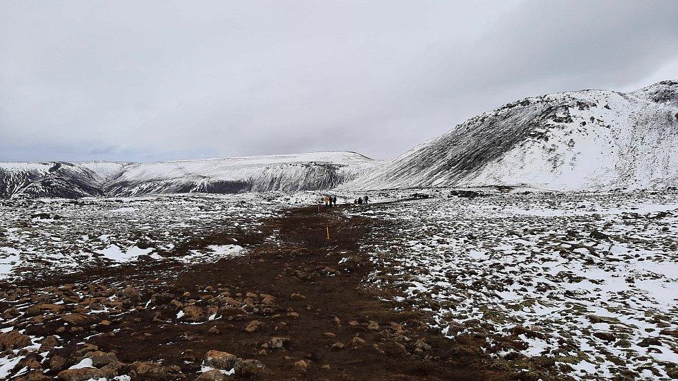Edgar Kosař z Krnova kvůli koronaviru změnil plány a zůstal na Islandu. Díky tomu teď prožívá historický okamžik zrození nové sopky a turistického ruchu v úplné pustině.