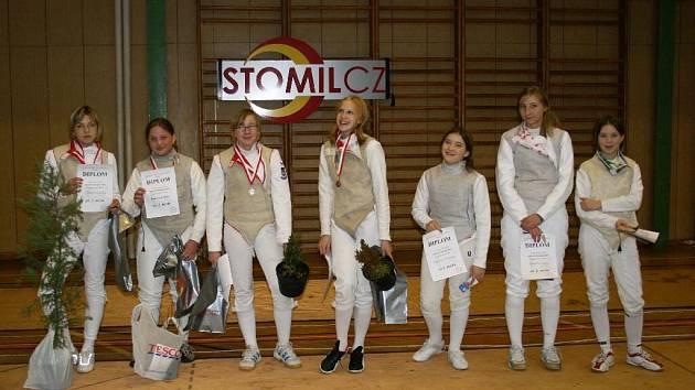 Klára Remešová (druhá zleva) vybojovala v Opavě hezké druhé místo.