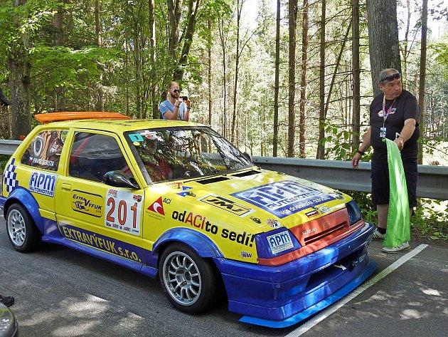 Po osmileté přestávce se do Vrbna pod Pradědem vrátily závody automobilů do vrchu Vrbenský vrch.
