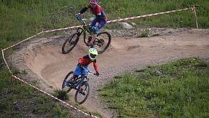 Otevírání bikeparku Kopřivná provázely také závody.