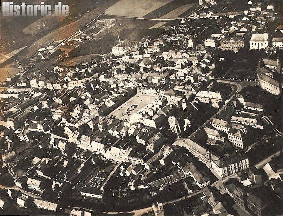 SUDETEN EINSATZ neboli nasazení v Sudetech prodělali v roce 1938 plukovník Hans Kreysing a plukovní pobočník – kapitán Ulrich Engelke. F