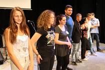 Dříve bývali na středních školách králové maturit a majálesů, nyní si v Rýmařově volí vyvolené studenty v soutěži, která letos nese název Středoškolák 2014.