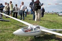 Mnohé modely letadel měří i několik metrů a létají až v pětisetmetrové výšce.