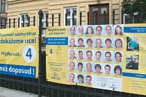 KDU-ČSL visí na plotech i čtrnáct dní po volbách. Jasné je jen to, že bannery si už své voliče nezískají.