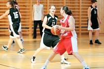 Basketbalistky Slavoje Bruntál mají za sebou úspěšný víkend, ve kterém si připsaly body dvě vítězná utkání.