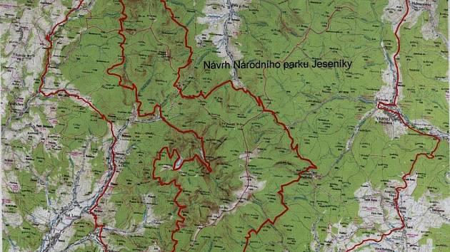 Takto by měl vypadat Národní park Jeseníky. Legenda: tlustá červená - hranice národního parku, tenká červená - hranice CHKO