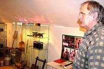 Vesnické muzeum funguje zhruba rok v obci Malá Štáhle. Loni muzeum zřídili ke 470. výročí založení obce. Expozice mapují historický vývoj obce a také její lnářské zaměření v poválečných letech.