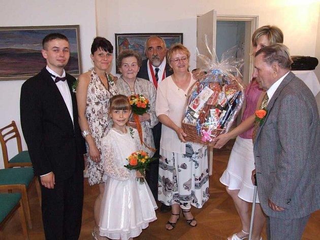 Manželé Mikulášovi jsou spolu již šedesát let.