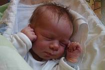 Jmenuji se JAKUB ONDERKA, narodil jsem se 13. února 2019, při narození jsem vážil 2 960 gramů a měřil 49 centimetrů. Doma se na mě těší sestřička Eliška. Krnov