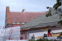 Střecha divadla byla v roce 2006 opravená za 4,6 milionu korun.