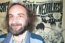 Jan Kuba se vydal i na výstavu svého kreslířského vzoru Káji Saudka.