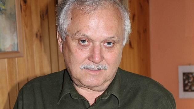 Zdeněk Kouřil v Jeseníkách točí film o obci Ludvíkov.