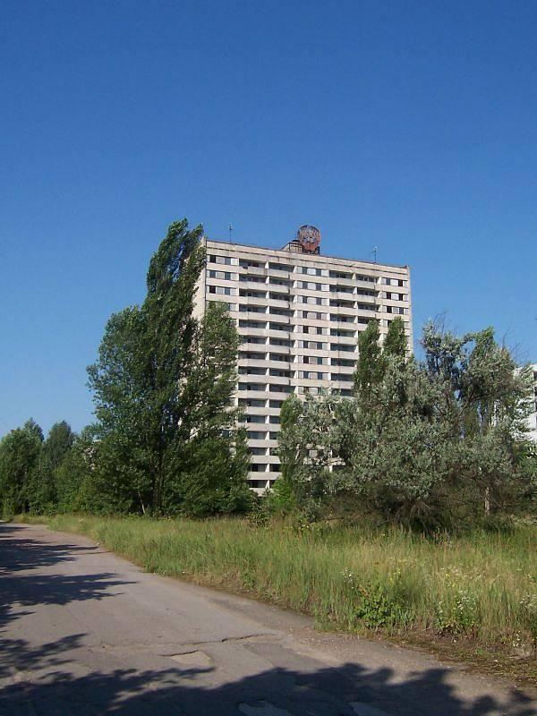 Černobyl láká fanoušky adrenalinové turistiky tajemnou atmosférou zakázané zóny. Mezi prvními přivezl v roce 2007 autentické fotografie z Černobylu Tomáš Herentin z Krnova.
