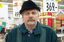 Jiří Šimurda, 63 let, Bruntál: Přírodní, protože vůně je vůně. Máme klasiku smrček. Máme ho pořád, měli jsme ho, už když jsem byl malý.